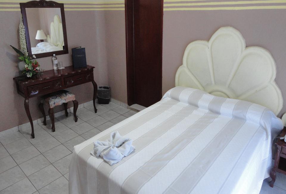 Hotel el espa ol centro hist rico m rida yucat n for Hoteles en merida con piscina